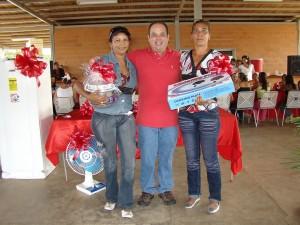 Mujeres Tinaquilleras recibieron regalos por parte del Alcalde Añez