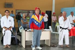 Alcalde Carlos Añez visito a escuela de carate doyo leon