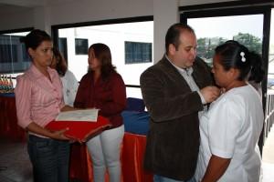 Alcalde conmemoro a las enfermeras