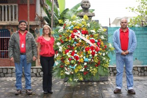 Ofrenda floral por parte del tren Ejecutivo de la alcaldia bolivariana
