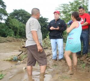 Alcalde visito a comunidades Afectadas por las lluvias